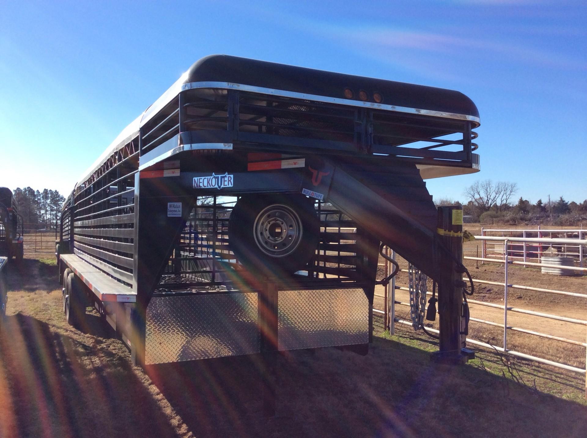2016 Neckover 24x6.8 dog nose stock trailer