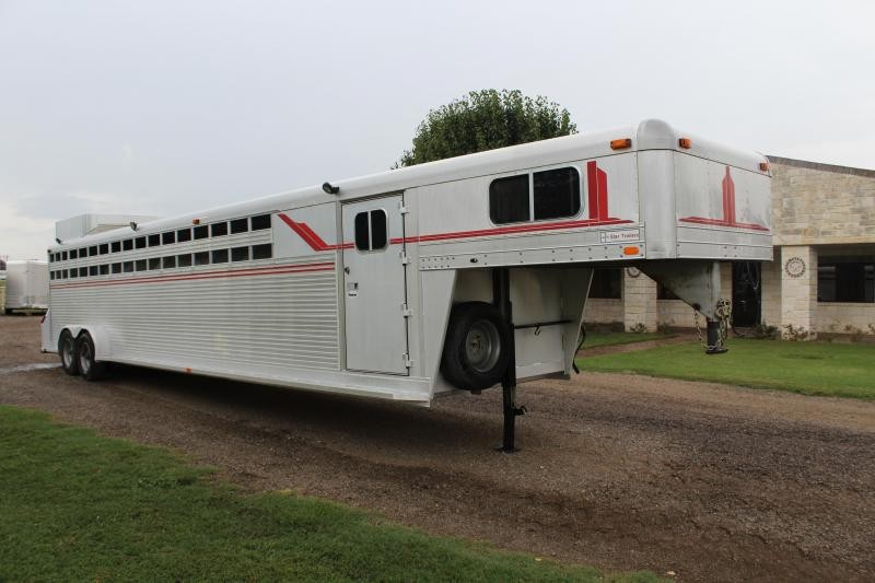 Used 4 Star Horse Trailers For Sale In Tx Trailersmarket Com