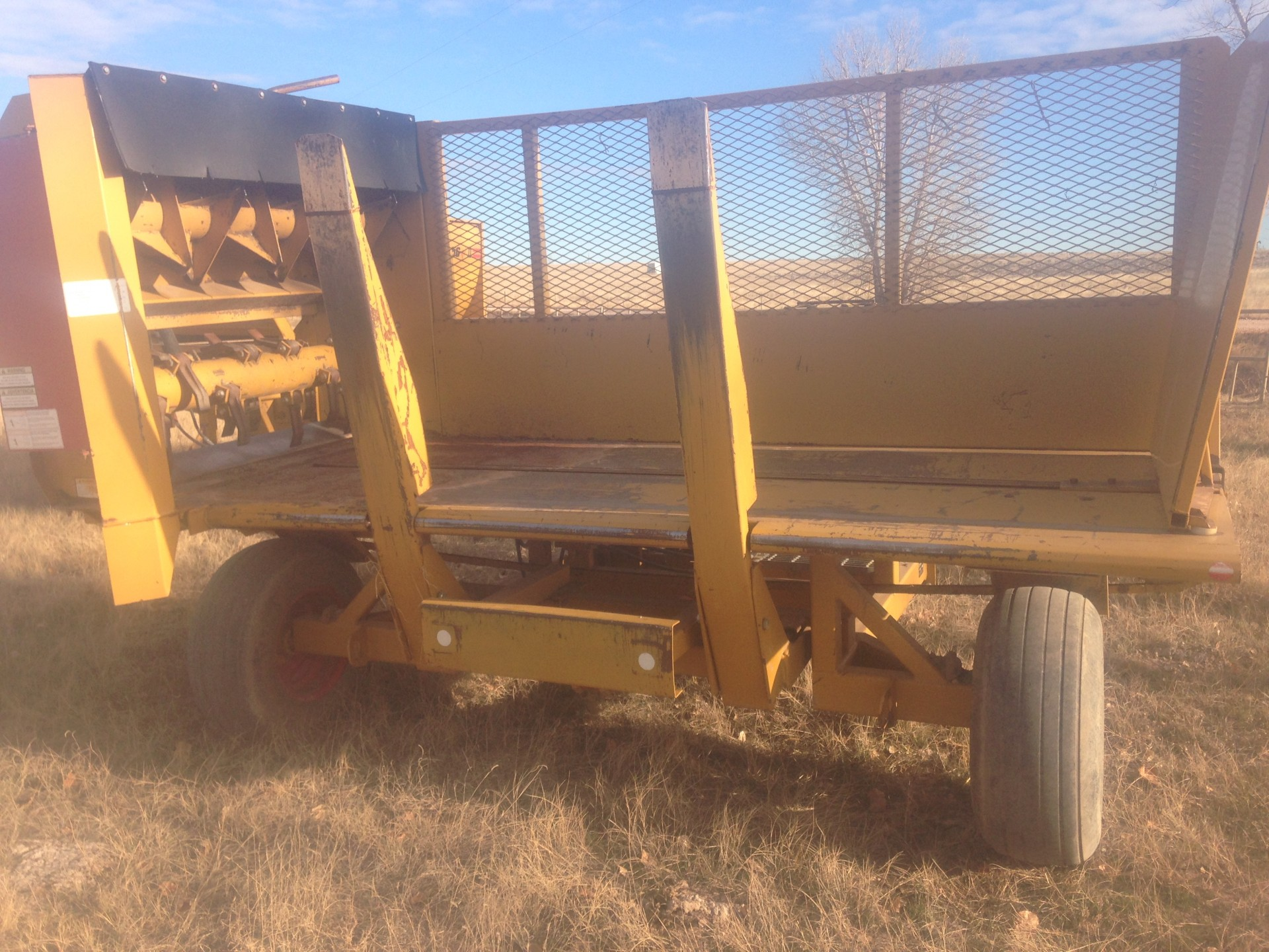 Ranchworldads Trailers >> Haybuster S-2000 Square Bale Processor