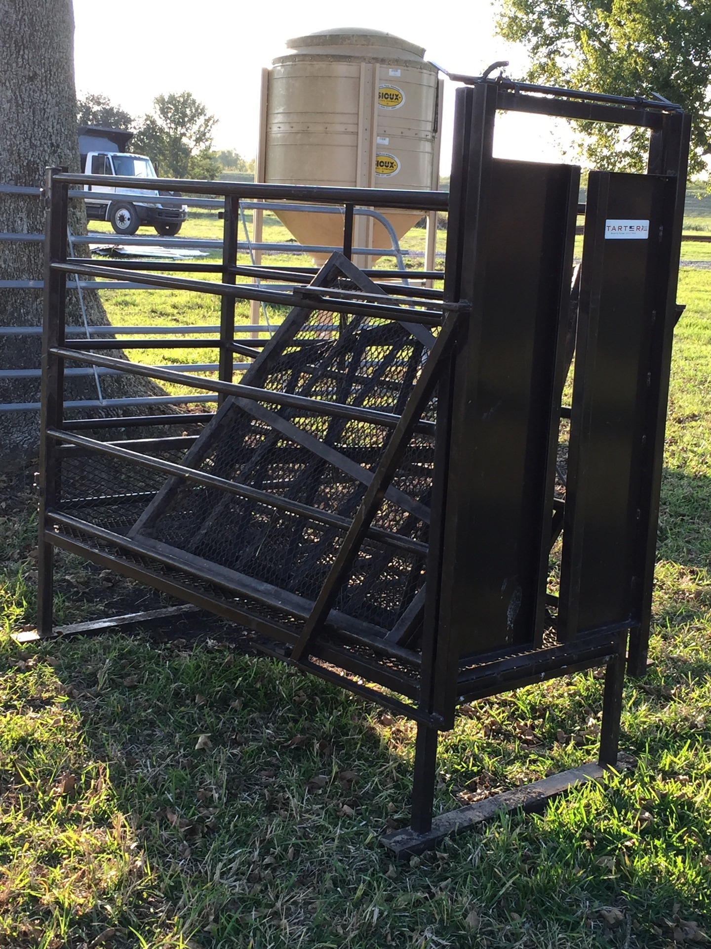 Roping Chute And Stripping Chute