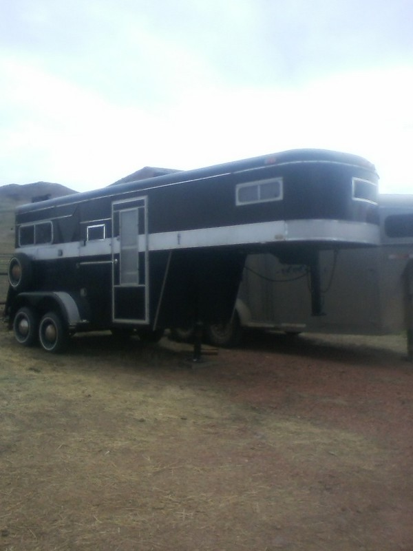 1989 Miley horse trailer