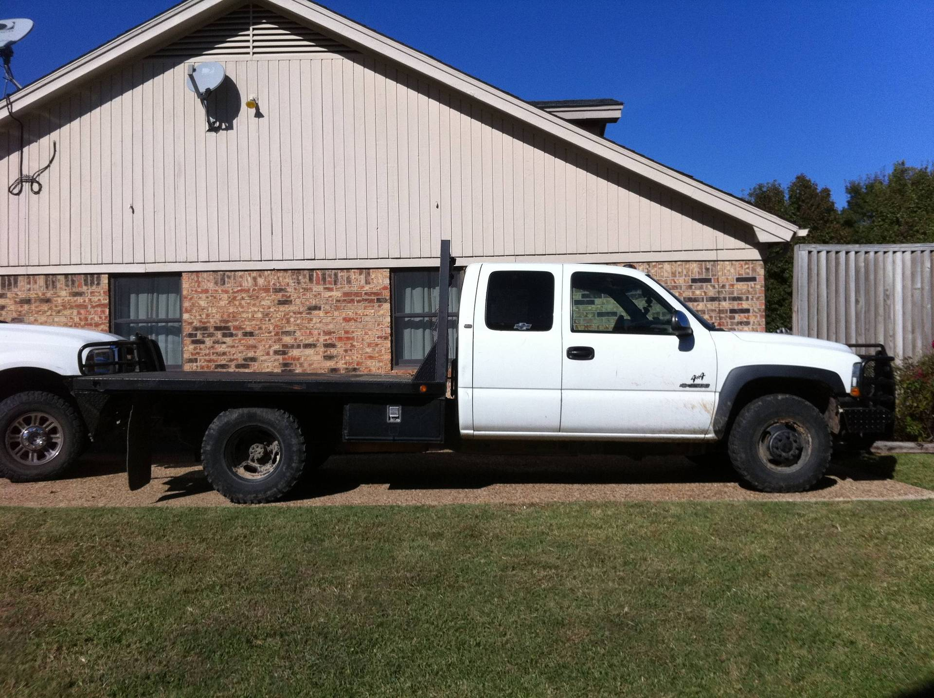 2001 Chevy 3500 Extended Cab Flatbed Texas